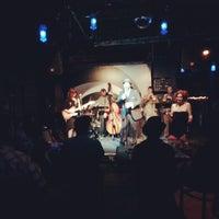 Das Foto wurde bei The White Rabbit von Adria G. am 7/22/2012 aufgenommen