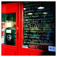 Foto tirada no(a) Tamp & Pull Espresso Bar por Laszlo B. em 9/5/2012