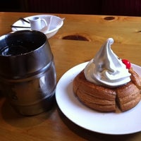 Photo taken at Komeda's Coffee by 慎一 原. on 5/6/2012