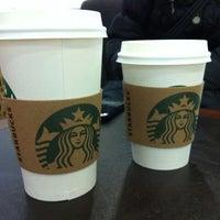 2/16/2012 tarihinde Rabia Ü.ziyaretçi tarafından Starbucks'de çekilen fotoğraf