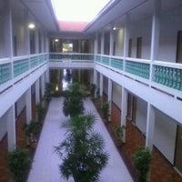 รูปภาพถ่ายที่ Grand Mansion Hotel โดย Kiwi-jkp C. เมื่อ 6/17/2012