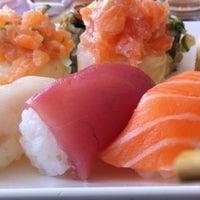 Foto tirada no(a) Flying Sushi por Angélica Cristina S. em 6/14/2012
