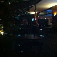 Foto tirada no(a) Deck Café por Carlos Miguel P. em 2/29/2012