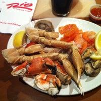 Foto tirada no(a) Village Seafood Buffet por Andrew em 8/8/2012