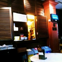 Photo taken at OldTown White Coffee by Ery R. on 3/10/2012