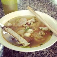 Photo taken at Bún bò giò heo Huế by Kiyoshi J. on 7/12/2012