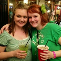 3/18/2012 tarihinde Nicole U.ziyaretçi tarafından Claddagh Irish Pub'de çekilen fotoğraf
