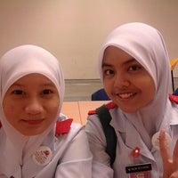 Photo taken at Kolej Sains Kesihatan Bersekutu by Syikin I. on 7/24/2012