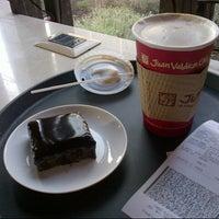 Photo taken at Juan Valdez Café by Alejandro W. on 7/10/2012