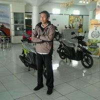 Photo taken at Hero Sakti Motor Pusat by rahmat o. on 9/11/2012