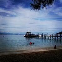 Photo taken at Manukan Island by Enchektola on 7/14/2012
