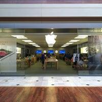 Foto scattata a Apple Haywood Mall da Vince L. il 6/7/2012