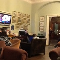 Photo taken at Palmers Lodge by Pedro M. on 3/7/2012