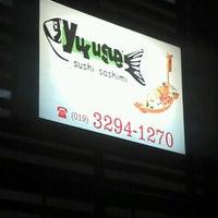 Foto tirada no(a) Yukusue Sushi por Felipe A M. em 8/18/2012