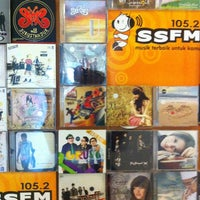 Photo taken at Radio 105.2 SSFM Semarang by ario m. on 3/9/2012