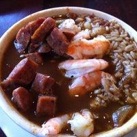 Das Foto wurde bei Pappadeaux Seafood Kitchen von Isabel N. am 2/11/2012 aufgenommen