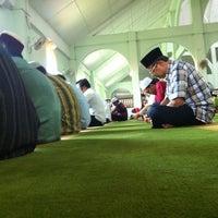 Foto scattata a Masjid al-Hasanah مسجد الحسنة da Nizam or J. il 6/1/2012