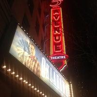 Photo prise au The 5th Avenue Theatre par Mat X. le2/15/2012