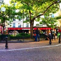 Photo taken at Place de la Contrescarpe by phishead on 6/23/2012