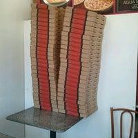 Foto tirada no(a) Pizza Hut por Tomaz S. em 3/10/2012