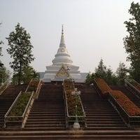 Photo taken at วัดเหวลึก by Noom1308 on 4/1/2012