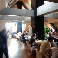 Photo prise au Azul Tapas Lounge par kuanju w. le7/1/2012