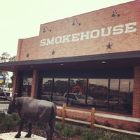 Photo taken at 4 Rivers Smokehouse by Hector S. on 2/17/2012