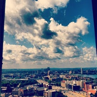Photo taken at Hilton Boston Back Bay by Felipe A. on 8/28/2012