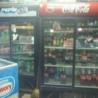 Foto tomada en Minimarket Belorado por Juan Andrés M. el 5/2/2012
