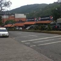 Foto tomada en La Calle del Hambre por Victer el 7/16/2012