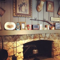 Photo taken at Cracker Barrel Old Country Store by Ryan J. D. on 9/7/2012