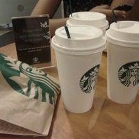 Foto diambil di Starbucks oleh Riri♔ pada 2/25/2012