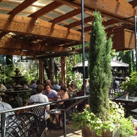 Foto tomada en Meriwether's Restaurant por Jeremy R. el 8/5/2012