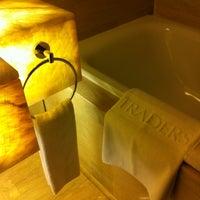 Снимок сделан в Traders Hotel пользователем Mohd A. 9/7/2012