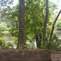 รูปภาพถ่ายที่ Outlanders Campground โดย Chuq Y. เมื่อ 7/14/2012
