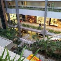 Foto tirada no(a) Águas Claras Shopping por Ricardo M. em 7/18/2012