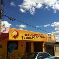 Photo taken at Bar e Restaurante Tradição Do Peixe by Maria L. on 5/26/2012
