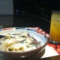 Photo prise au Signora Pasta par Lyle M. le7/17/2012