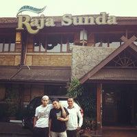 Photo taken at Raja Sunda by Mohd Haaziq M. on 9/13/2012