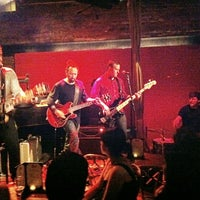Foto tirada no(a) Rockwood Music Hall por LT 1. em 5/31/2012