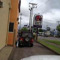 Photo taken at Taco Bell by Shelly R. on 5/3/2012