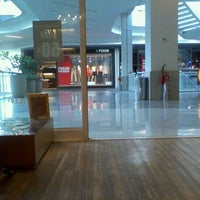 Photo taken at Recreio Shopping by Lagarto N. on 2/24/2012