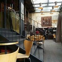 Foto diambil di Delaville Café oleh flow m. pada 4/8/2012