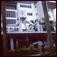 Photo taken at Mahkamah Tinggi Shah Alam by zermi n. on 7/13/2012