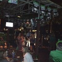 รูปภาพถ่ายที่ Reilley's Grill & Bar โดย Blanche T. S. เมื่อ 3/18/2012