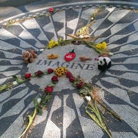 4/21/2012 tarihinde Javi P.ziyaretçi tarafından Strawberry Fields'de çekilen fotoğraf