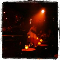 Foto scattata a Manderley Bar at the McKittrick Hotel da Stephen G. il 5/10/2012