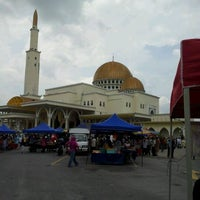 Photo taken at Masjid As-Salam (مسجد السلام) by Tango O. on 2/3/2012