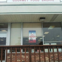 Photo taken at Bon Appetit Gourmet Food Shoppe by Geoff on 9/6/2012