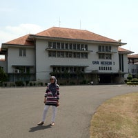 Photo taken at SMA Negeri 1 Semarang by Ganesha H. on 7/11/2012